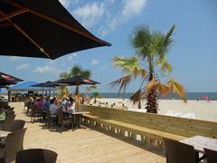 Paradise Beach Club Hampton Official Visitor Information Site For Hampton Va Listing Virginia Vacation Beach Paradise City By The Sea