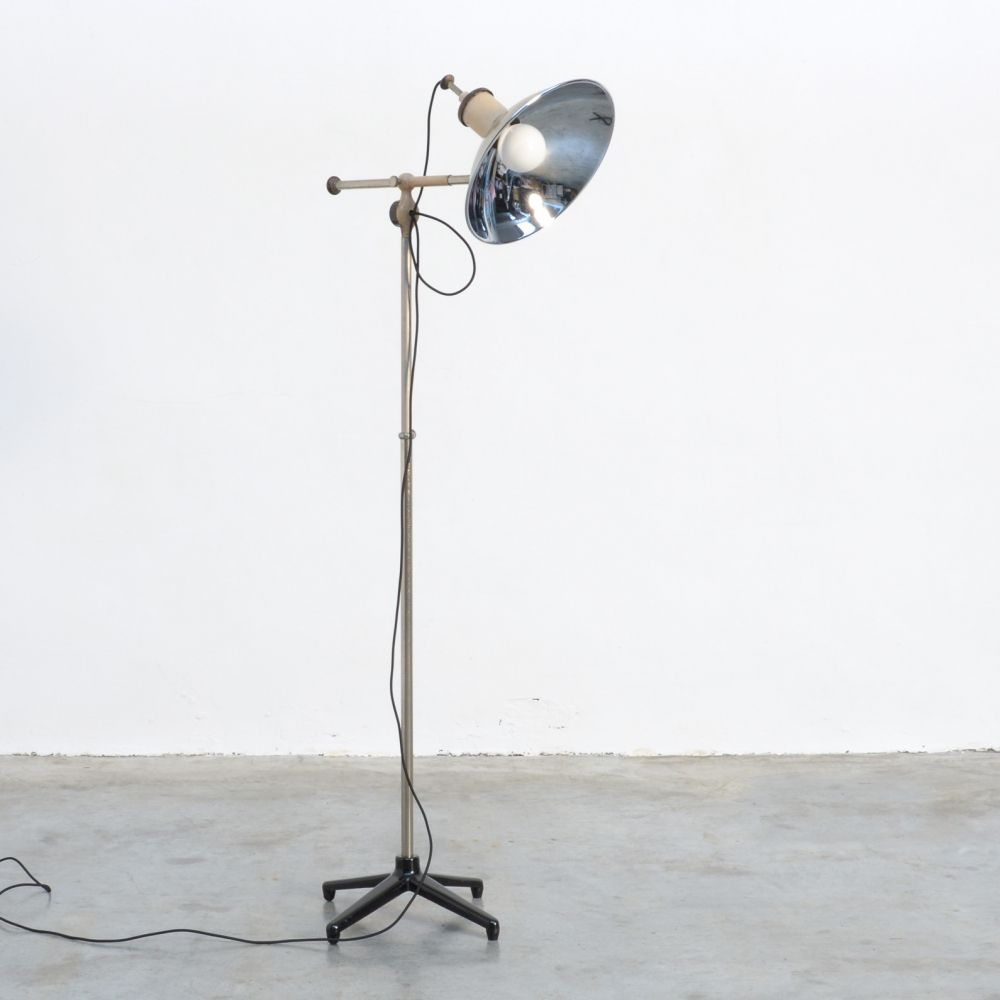 For Sale Industrial Floor Lamp 1950s Industrial Floor Lamps Industrial Flooring Floor Lamp