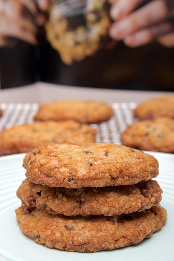 Momofuku Milk Bar's Cornflake Chocolate Chip Marshmallow Cookies – Claudia's Cookbook #chocolatemarshmallowcookies