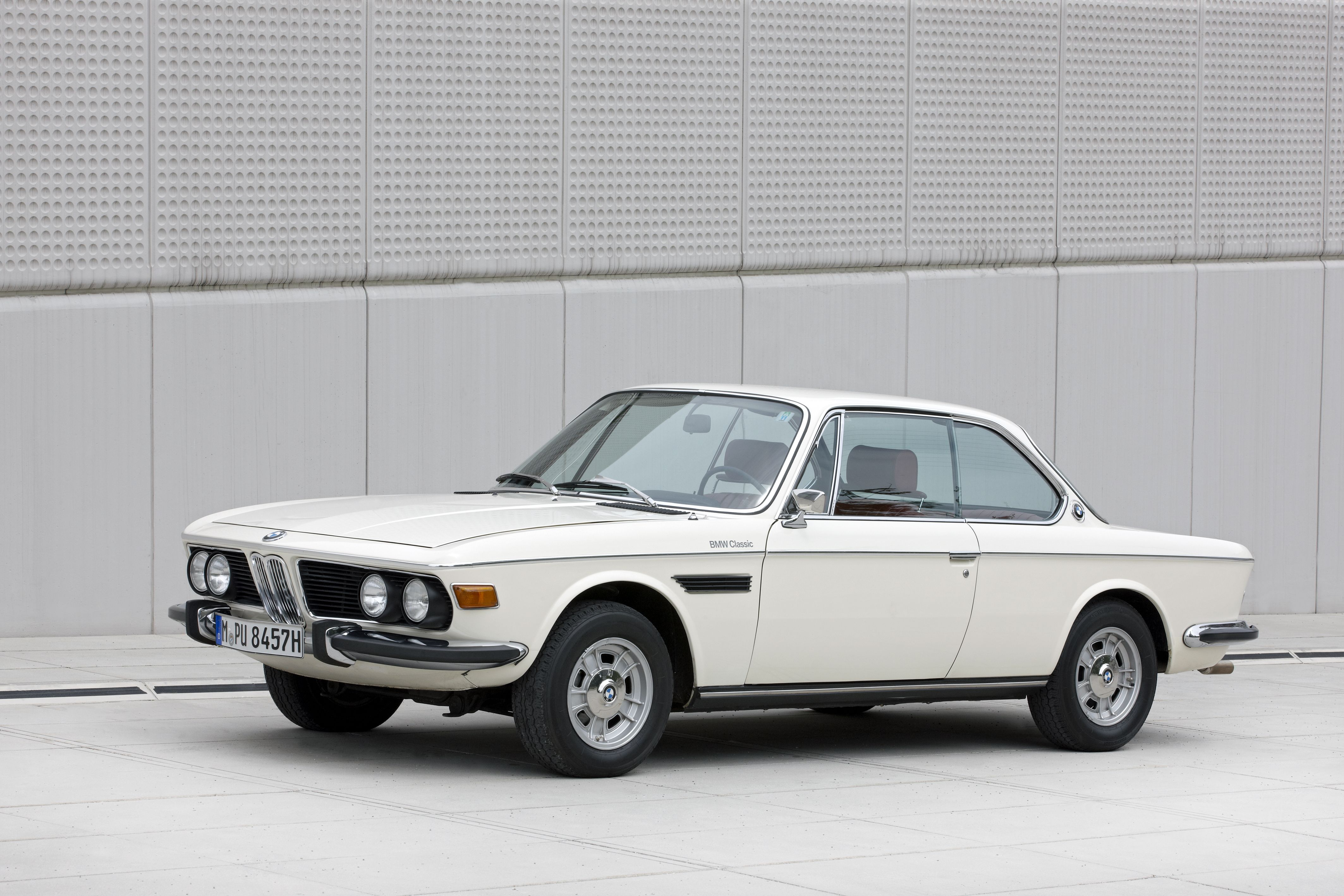 Bmw 3 0 Csi Sublime Favorite Cars Bmw Cars Bmw Design Bmw E9