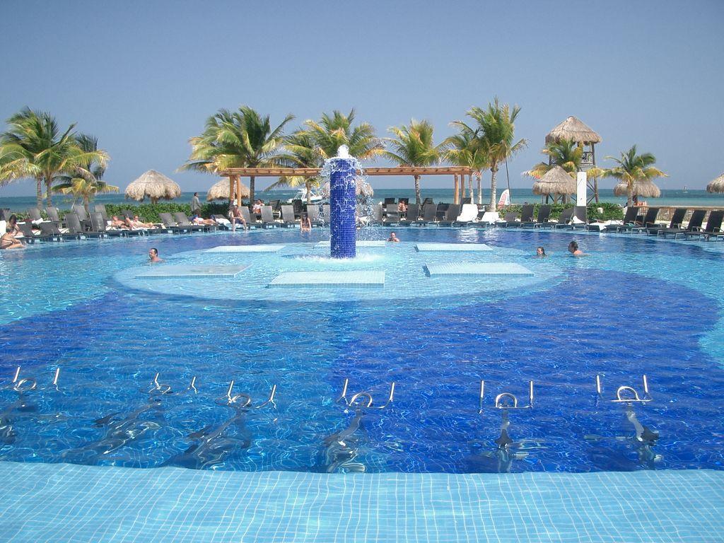 BlueBay Grand Esmeralda, Cancun