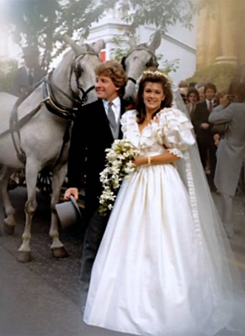 Check Out Photos Of Real Housewives Star Lisa Vanderpump S 80s Wedding Lisa Vanderpump Lisa Vanderpump Style Vanderpump Style