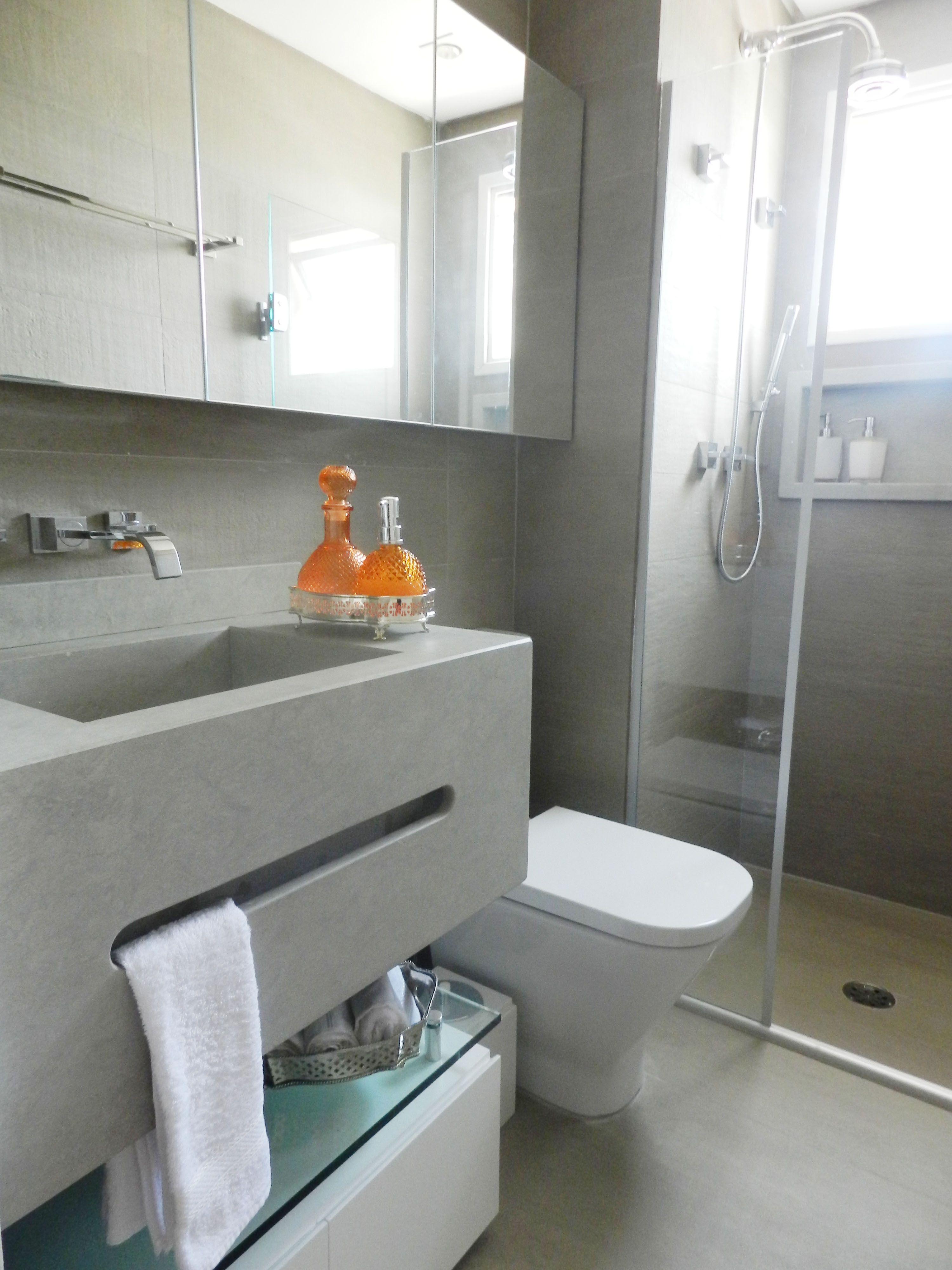 Cinza com cuba embutida e armário espelhado em toda parede da pia  Banheiro -> Cuba Pia Banheiro Cinza