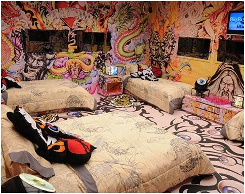 Tattooed Cool Bedrooms Teenagers Juvenile Dormitories Crazy Rooms ...