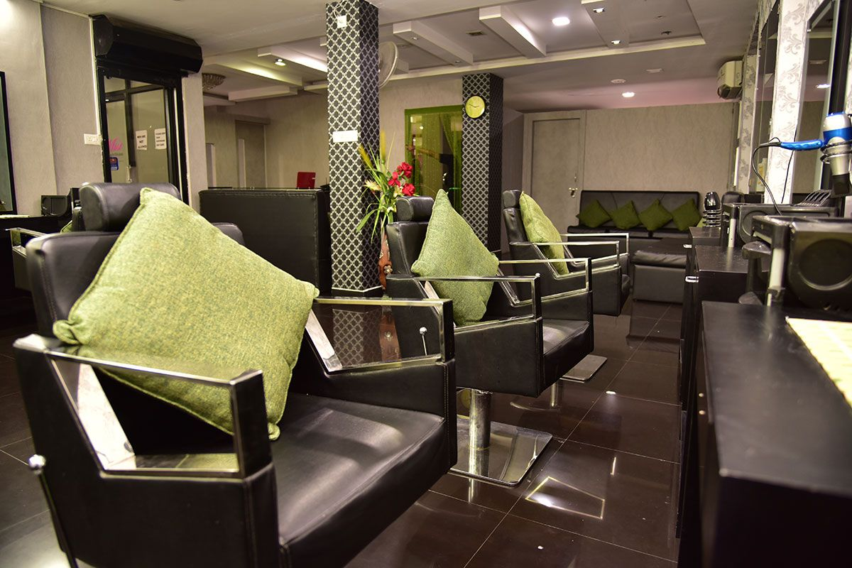 Ladies Beauty Parlour In Cochin With Images Beauty Parlor Beauty Spa Beauty Studio