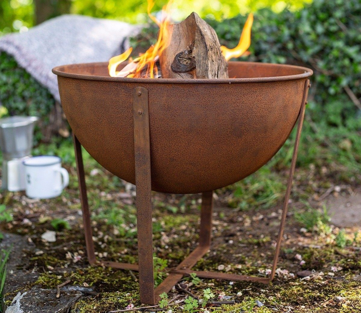 Small Shabby Chic Rusty Firepit in 2020   Fire pit, Fire ...