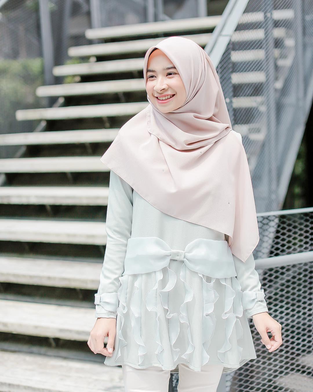 Pin By Krazix On Awek Tudung Hijab Girl Pinterest Lgs Regular Fit Kemeja Casual Gingham Abu Muda L Fashion Muslimah Style Dresses Outfit