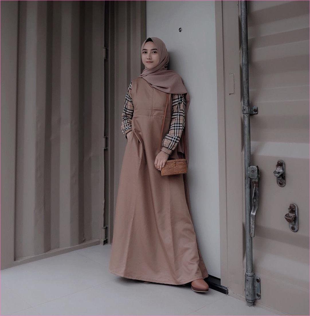 Outfit Baju Hijab Casual Untuk Ke Kantor Ala Selebgam 11 gelang