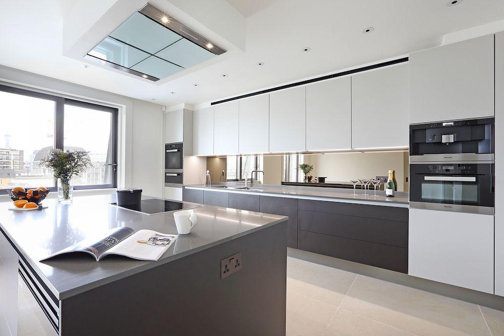Luxe Design Keuken : Exclusieve design keuken van poggenpohl in luxe appartement van