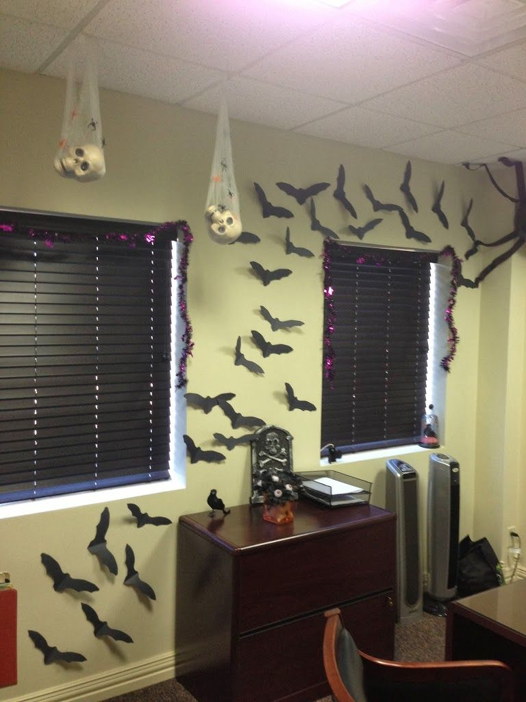 12 Easy Diy Halloween Decorations Halloween Office Diy