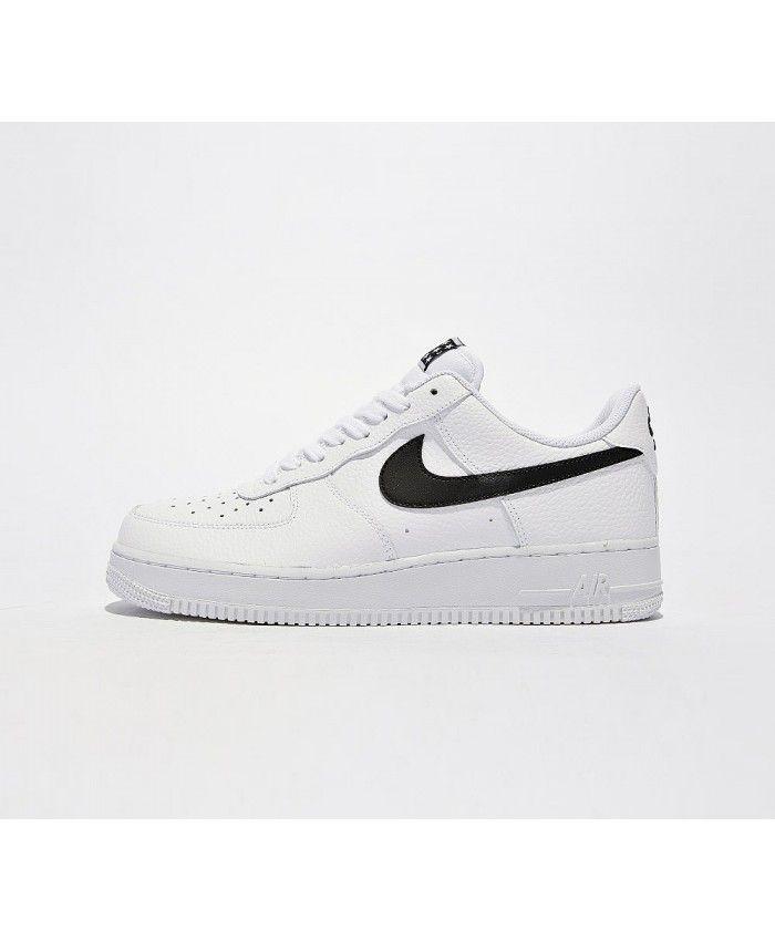 buy online da12c 9939b Nike Air Force 1 07 Chaussures Blanc Noir