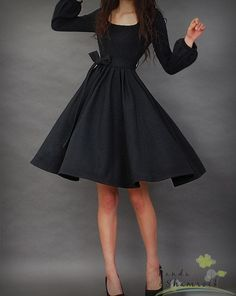 Siyah Klos Elbise Modeli 1950ler Modasi Parti Elbiseleri Ve Elbise Modelleri