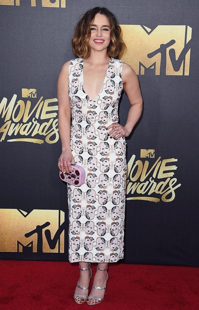 Emilia Clarke Wears A Miu Dress At The 2016 Mtv Movie Awards