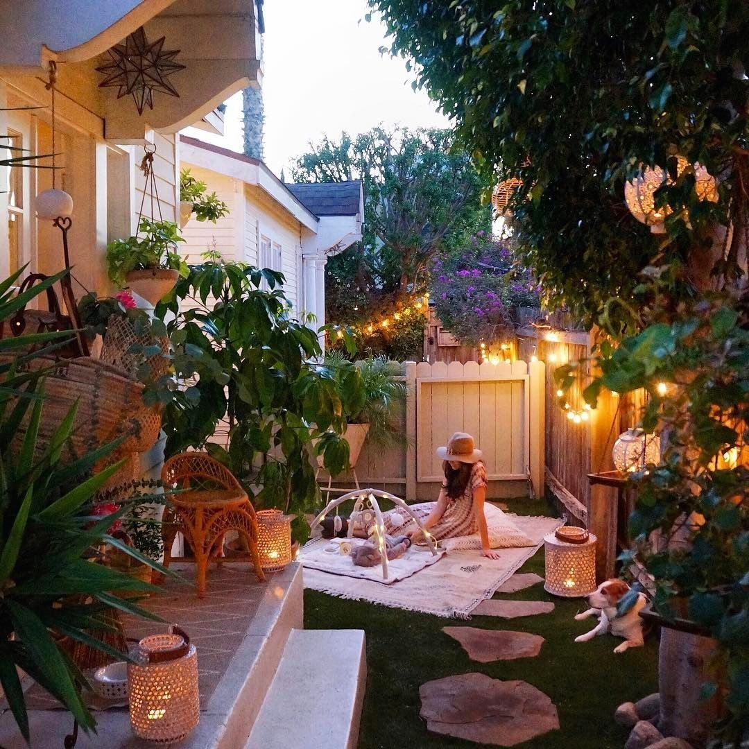 43 Cute Backyard Space You'll Love (With images ... on Cute Small Backyard Ideas id=48570