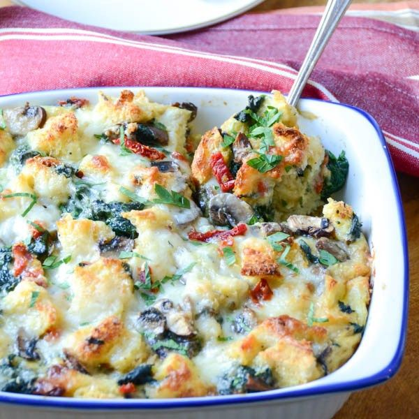 With Christmas fast approaching and family rapidly descending, it pays to have a plan for Christmas morning.  A workable plan.  Not 'I think I'll make eggs benedict for 20 people'.  Enter the strata.  A hearty, eggy, cheesy, vegetable-laden casserole that you make the night before and bake the next morning.  This is entertaining nirvana!
