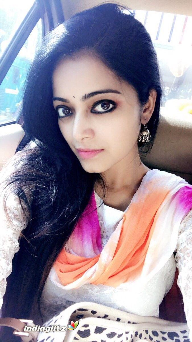 Janani Iyer Photos Tamil Actress photos, images, gallery