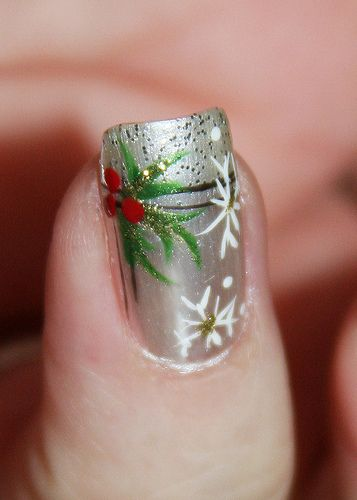 xmas nail art. @Erica Cerulo Cerulo Rae .. try this and if you can do it.. do mine!!! :)