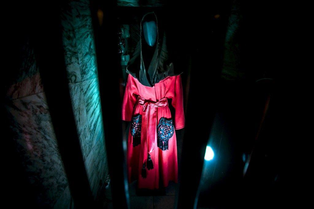 """Os tesouros de Christian Lacroix num cofre aberto em Lisboa-""""O fichu de Arles foi um tema recorrente nesse Inverno"""" de 1989/90, escreve Lacroix- Daniel Rocha"""