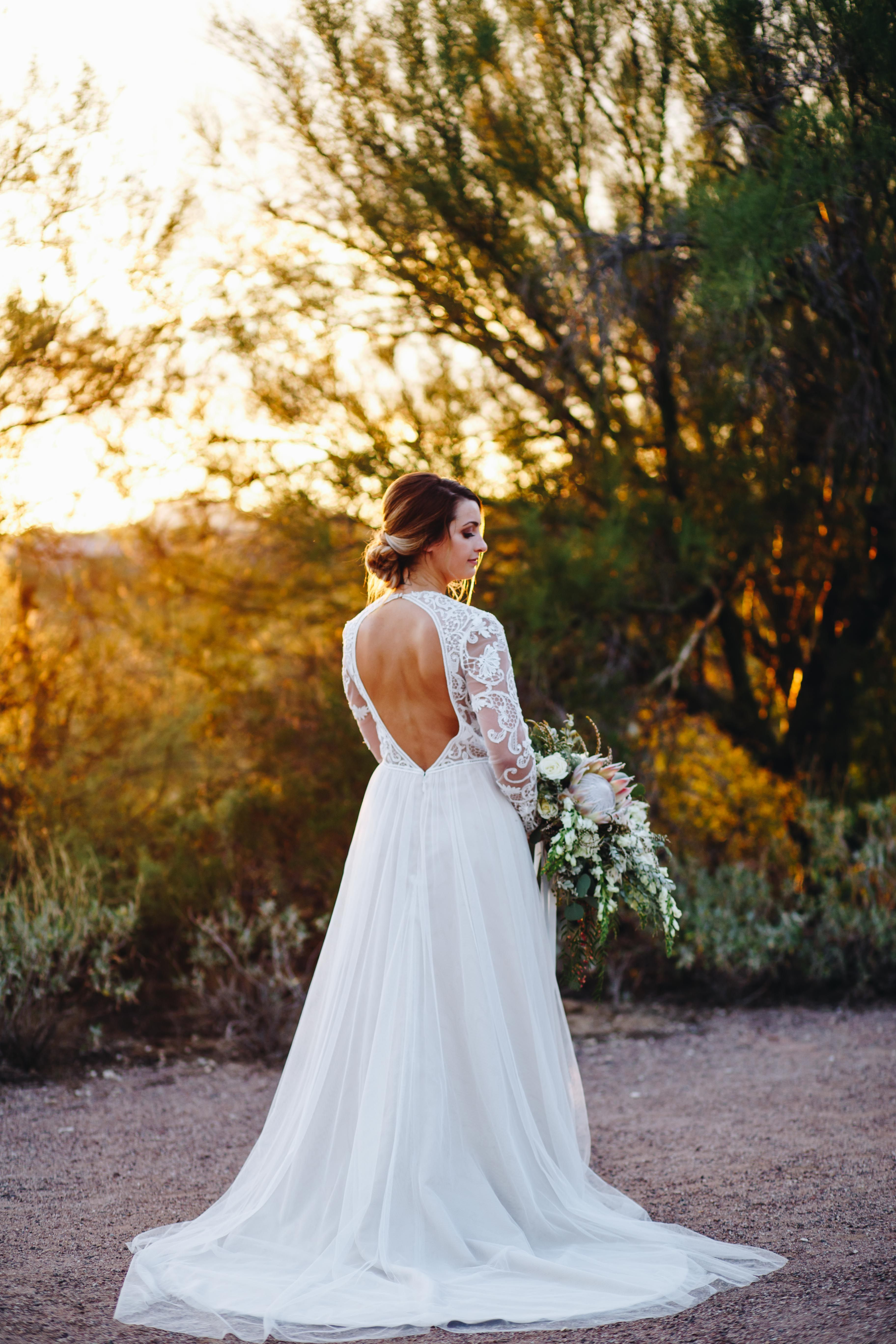 This open back lace vintage dress was perfect for this dreamy