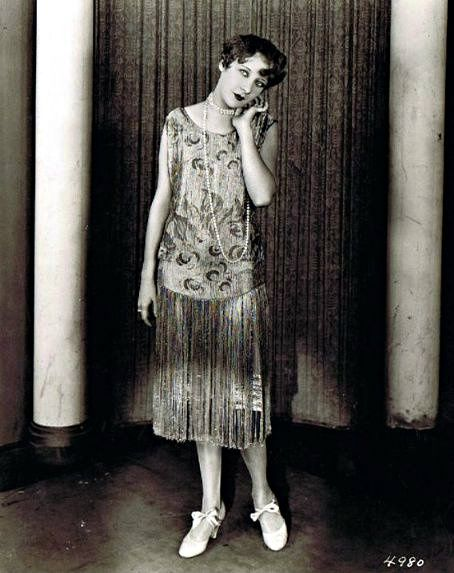 Gwen Lee, 1924