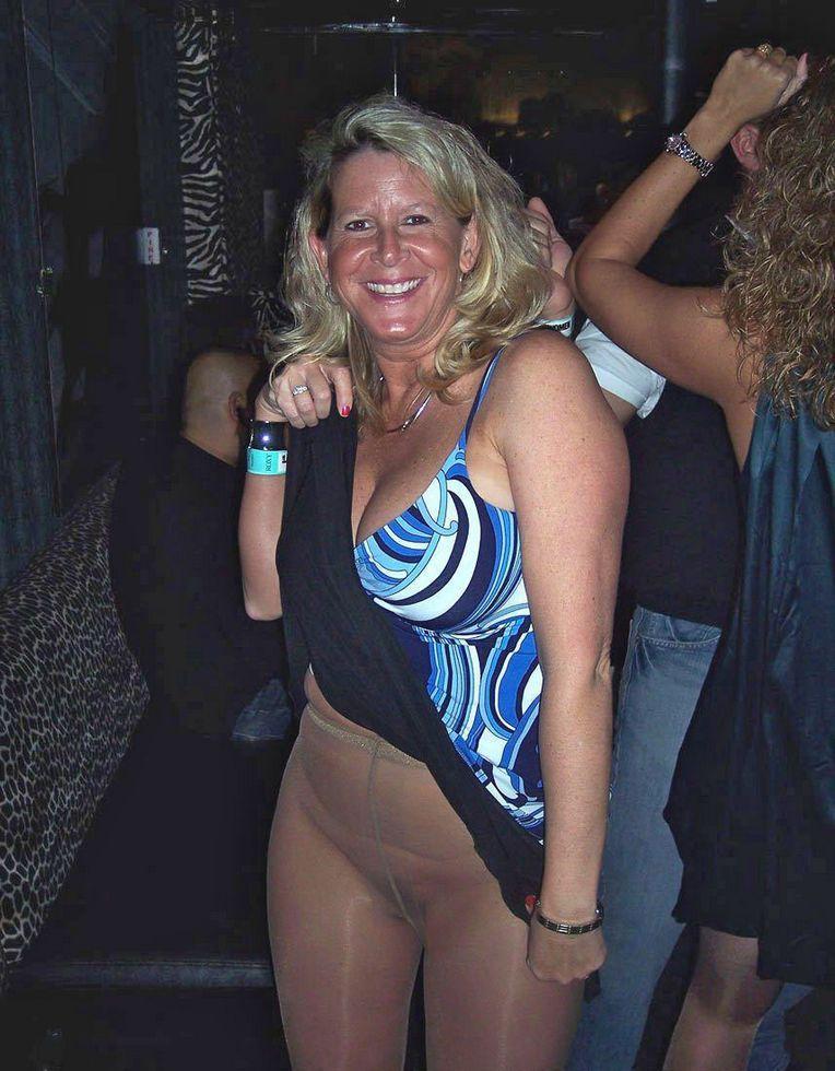 Far ebony ass naked