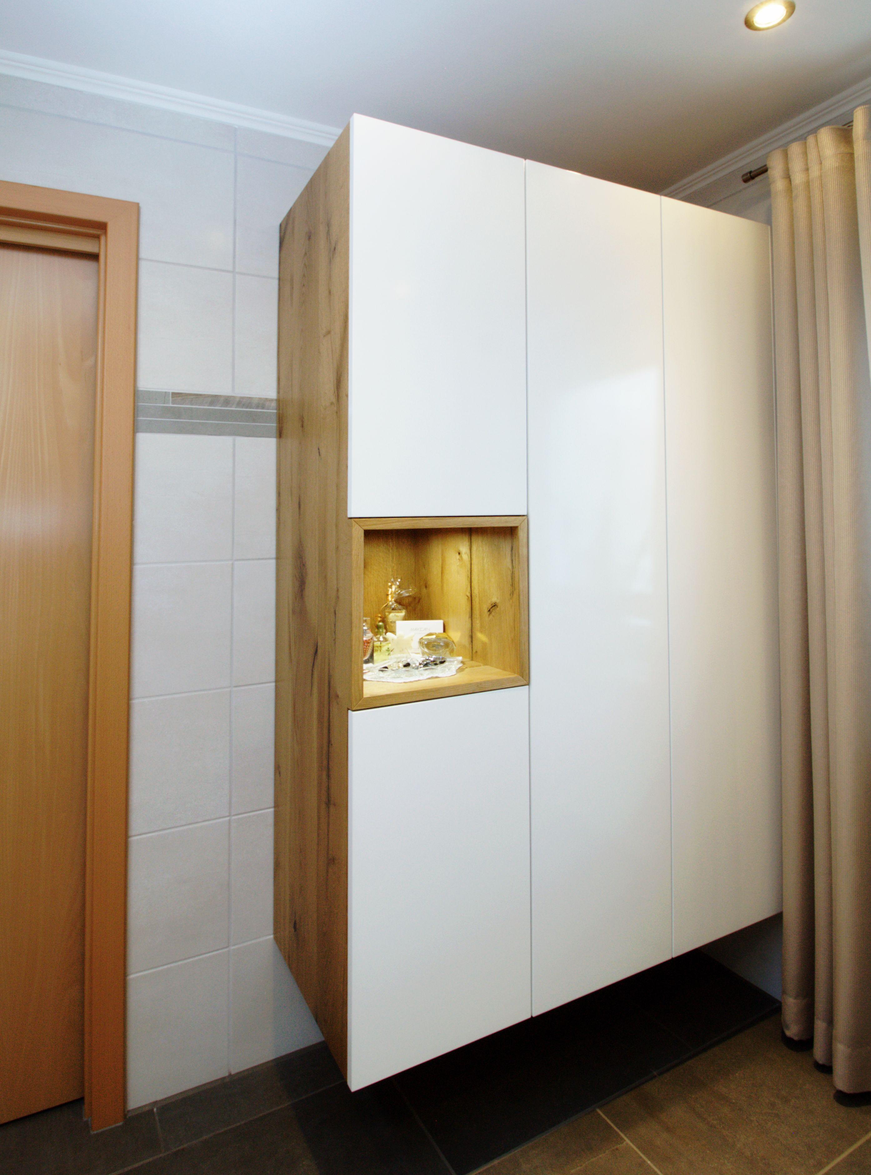 Badschrank Holz Und Weiß Nische Mit Led Beleuchtung