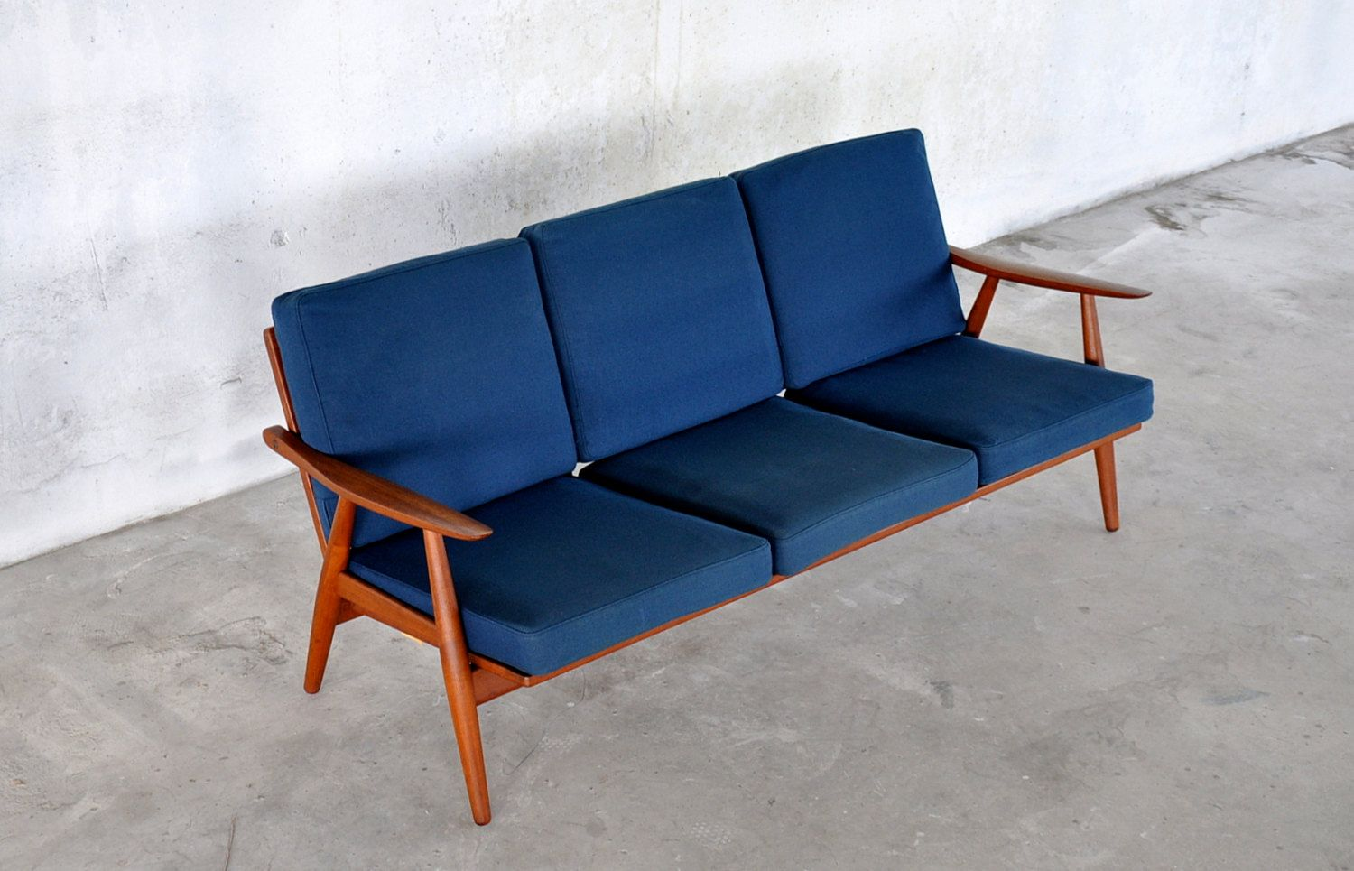 An Authentic And Truly Stunning Teak Lounge 3 Seater Sofa  # Muebles Corotos