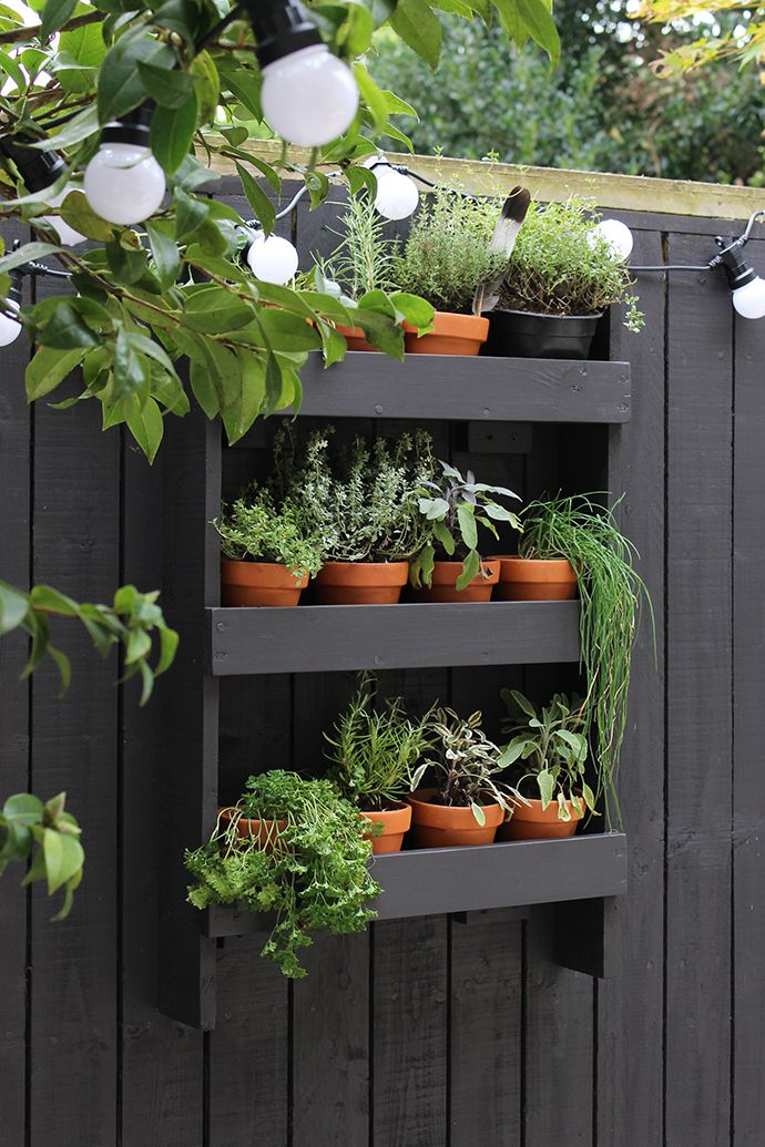 Modern garden makeover vertical herb gardens herbs for Herb garden ideas for small spaces