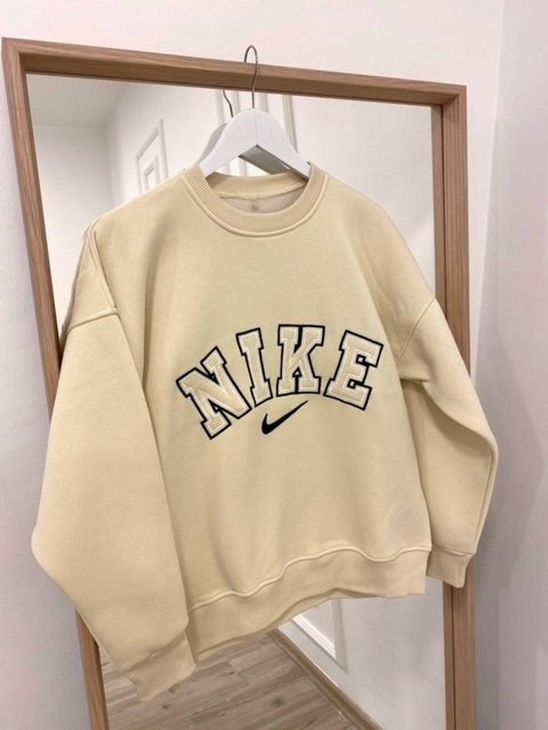 Nike Sweatshirt Nike Vintage Nike Sweater Embroidered Etsy In 2021 Hoddies Outfits Vintage Nike Sweatshirt Stylish Hoodies [ 1059 x 794 Pixel ]