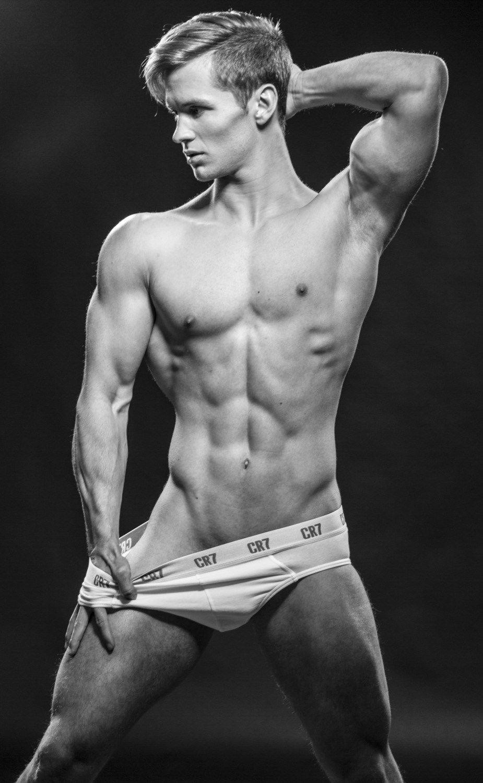 Simon Mathis   Men and Fitness   Pinterest   Body