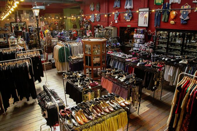 6 Ways To Reinvent Your Style On A Budget Online Vintage Stores Best Shopping In London London Blitz