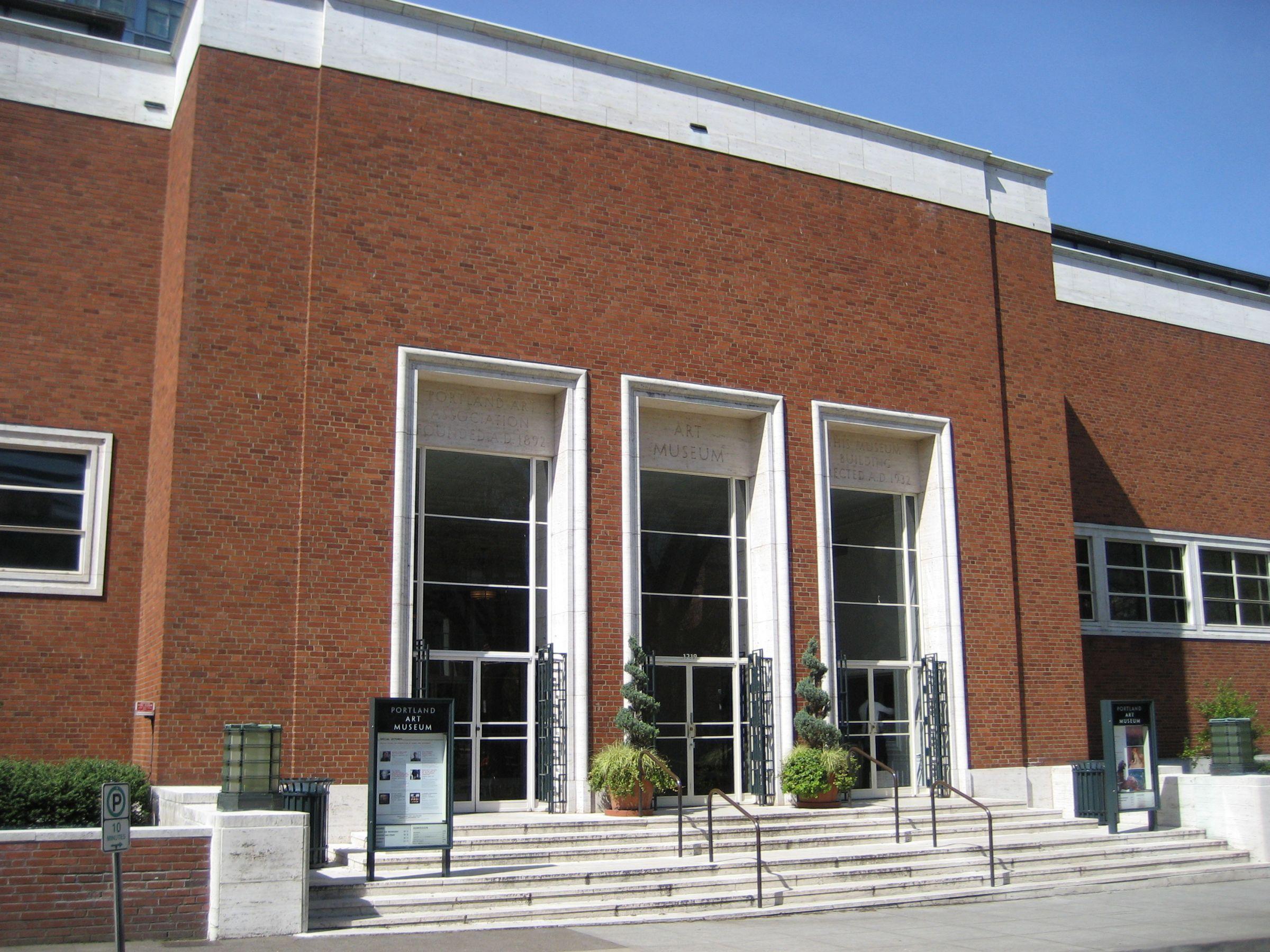 Portland Art Museum To Return Medicine Bundles To Crow Tribe Portland Museum Oregon Life Visit Portland