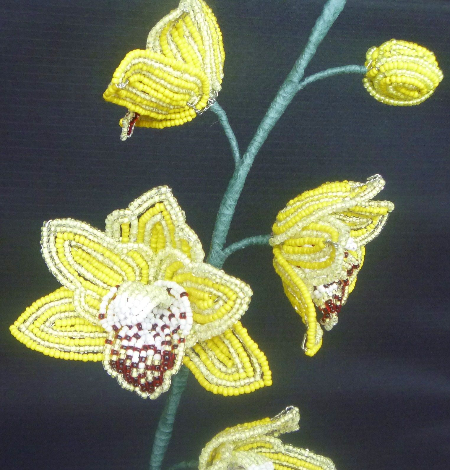 How to create an orchid flower from beads