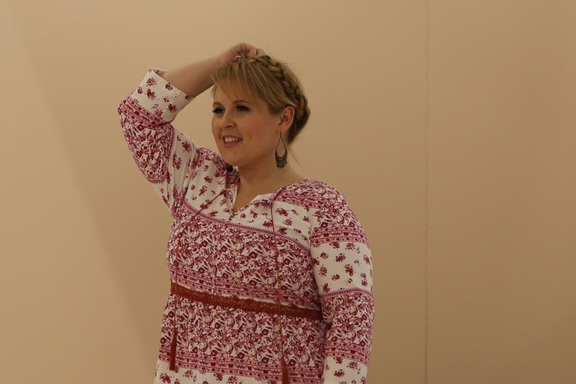 b743d676fe93 Maite Kelly in einem Kleid aus ihrer All Size Kollektion I Bild  PlusPerfekt