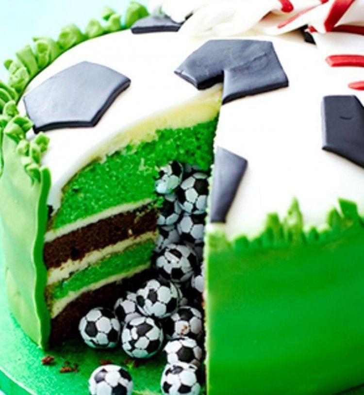le piñata cake : un gâteau qui nous réserve des surprises