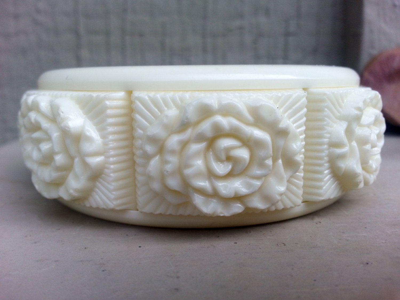 Vintage 1970s Cream Plastic Cuff