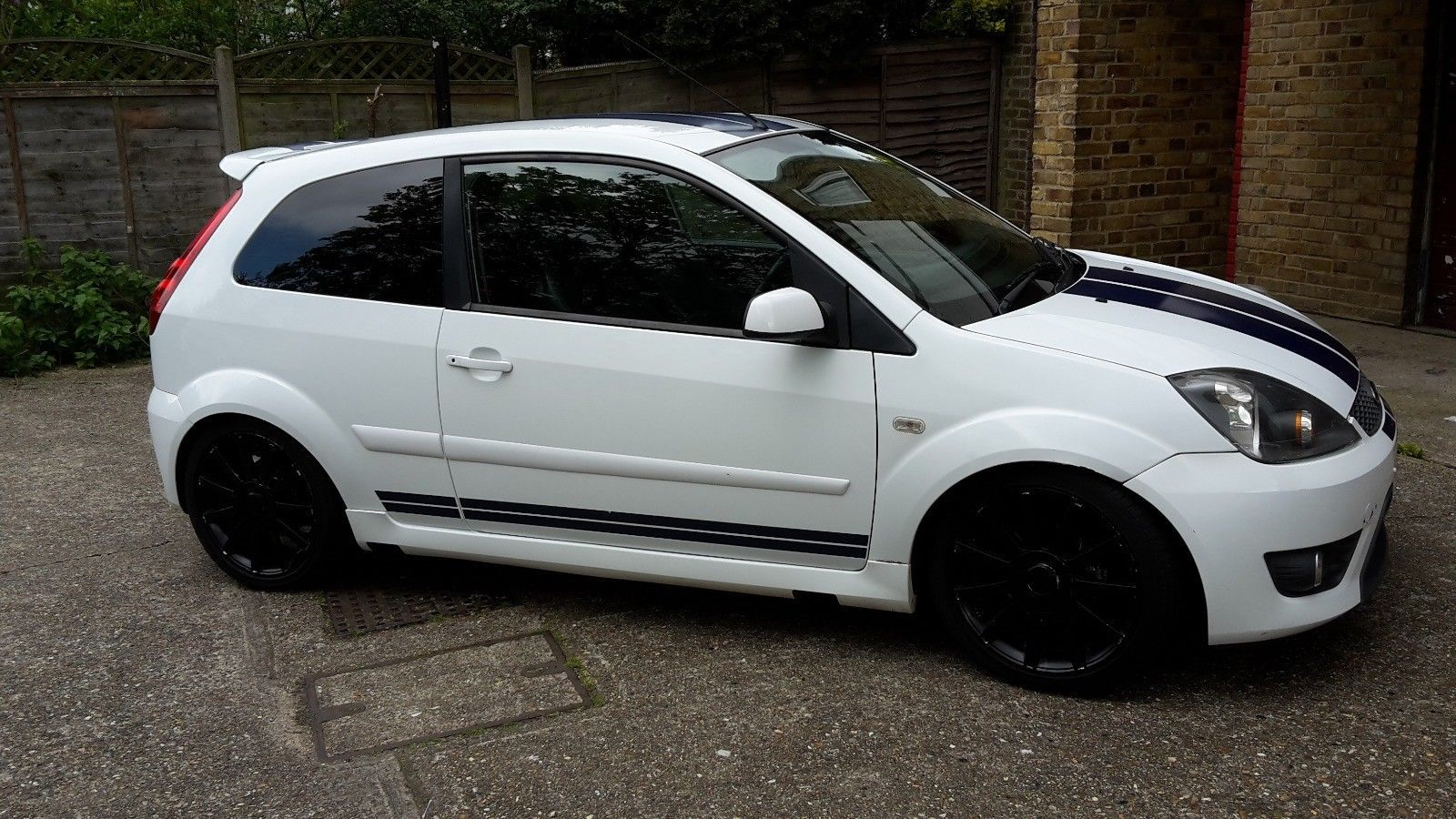 Looking For A Ford Fiesta 1 6 S St Body Kit This One Is On Ebay