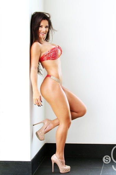 Bianca Anchieta | Bellas | Pinterest