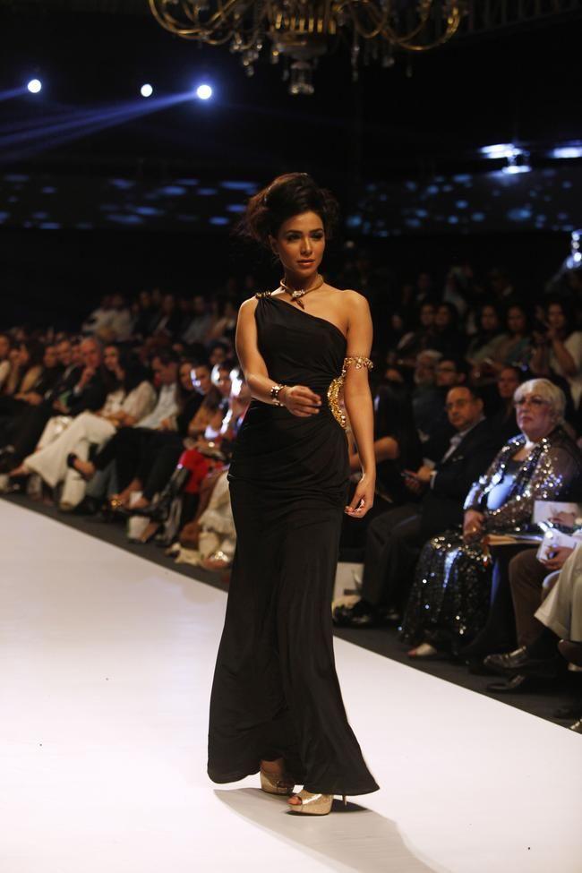 Fashion Pakistan Week In Karachi Fashion Pakistani Models Fashion Design