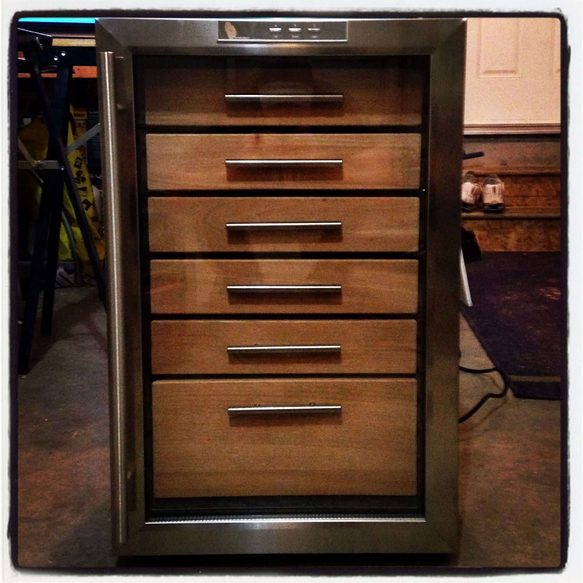 28 Bottle Wine Fridge Converted To A Cigar Humidor Wineador  # Muebles Humidores Para Puros