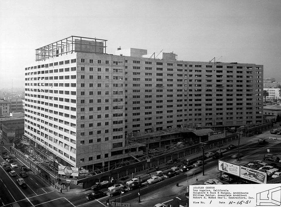 The Hotel Statler Under Construction November 15 1951 It Opened The Next Year Later To Purchased By Hil Under Construction Grand Hotel Vintage Los Angeles