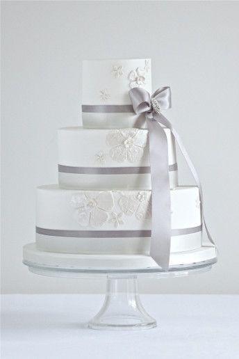 wedding magazine lookbook classic wedding cakes
