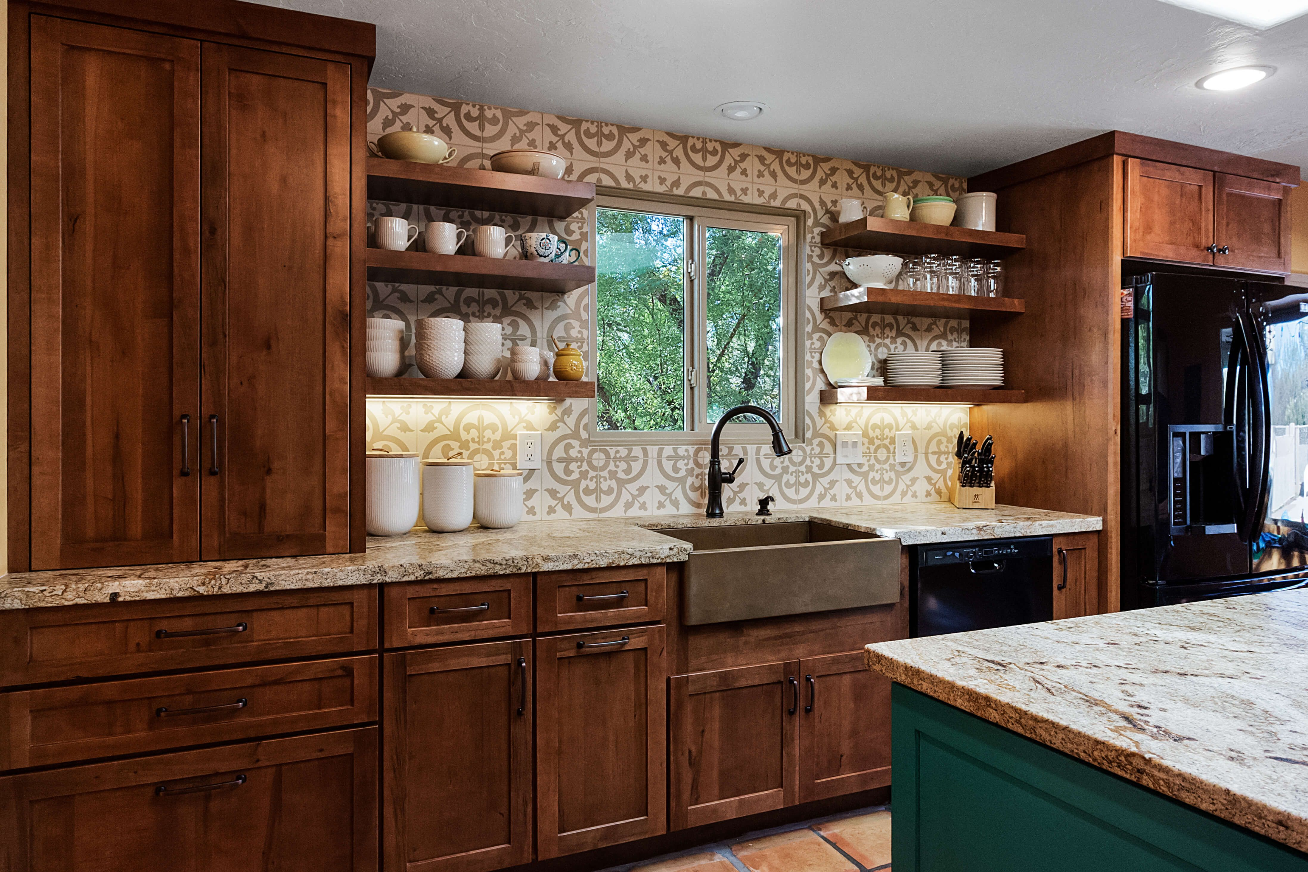 Oro Valley Kitchen With A Turquoise Island Designer Matt Yaney Southwest Kitchen Southwest Kitchen Kitchen Cabinet Styles Southwest Home Decor