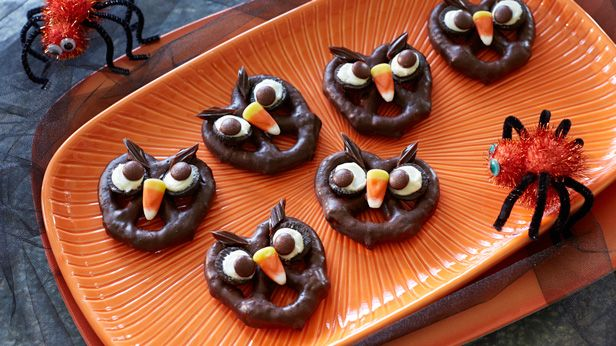 Monstrous munchies: 6 eerie-sistible Halloween treats for kids ...