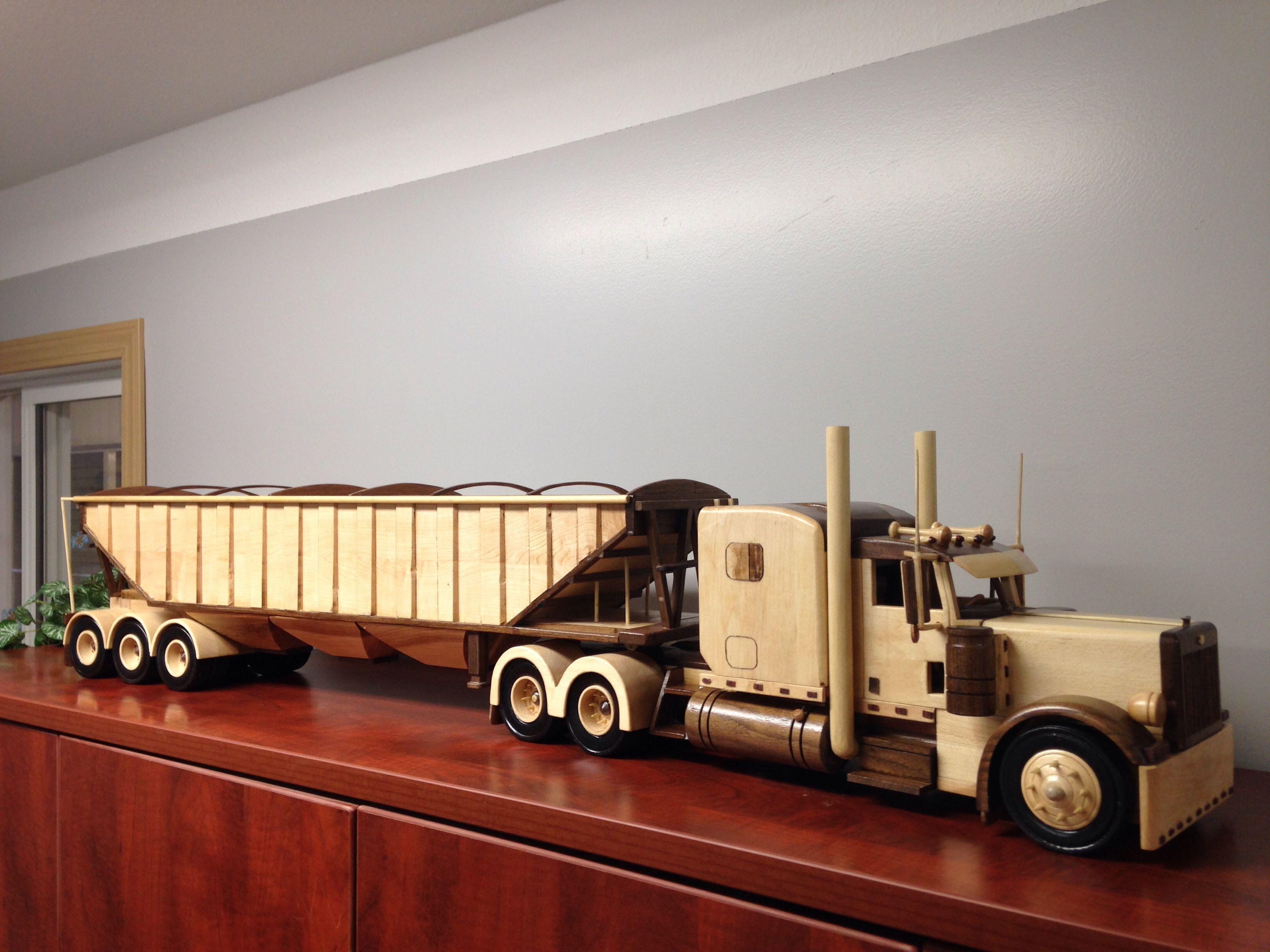 wooden peterbilt truck | dřevěné hračky | hračky, dřevo a dílny