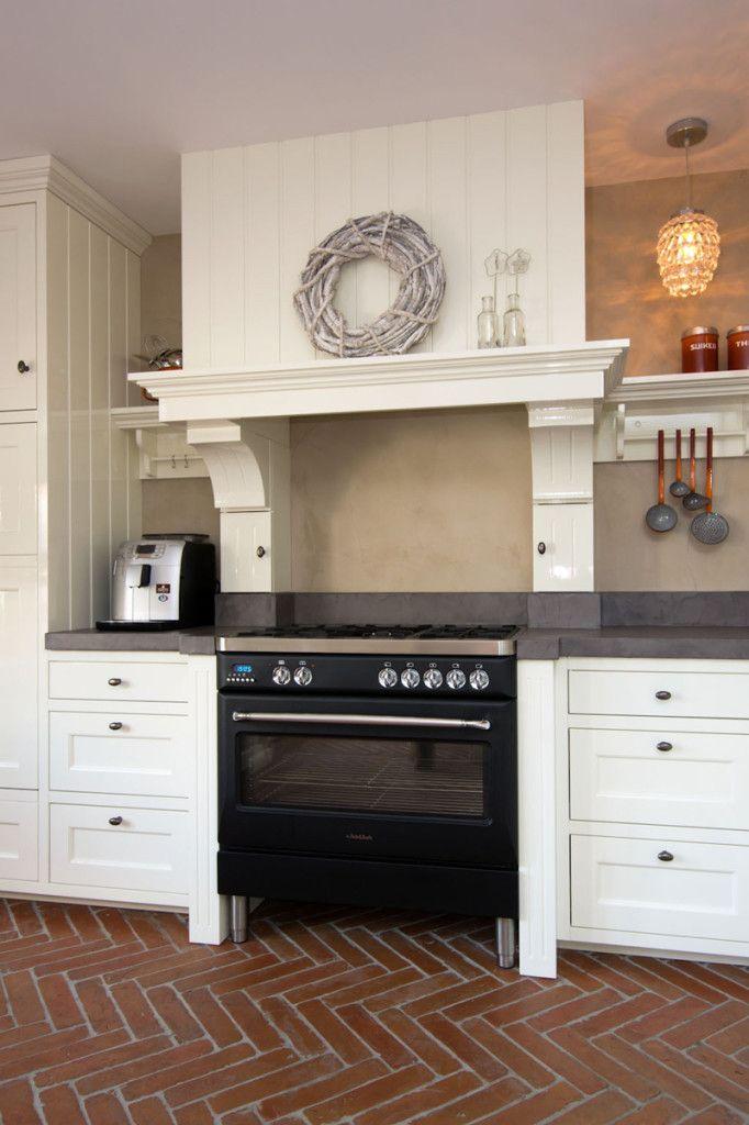 Interieur, landelijk    klassieke keuken, schouw  u2039 Voh Fotografie   Voh Fotografie   Interieur