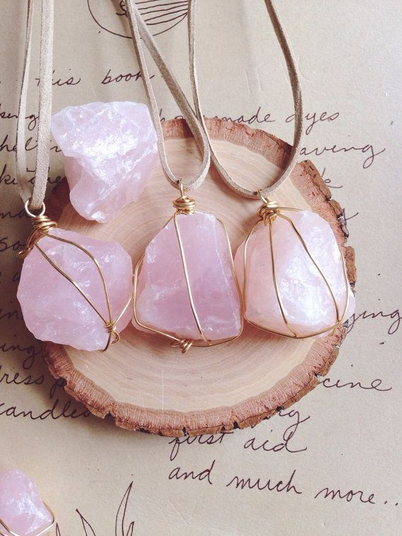 Rose Quartz Necklace - Rose Quartz - Crystal Necklace - Raw Crystal Necklace -Raw Stone Necklace - Wire Wrapped Stone - Crystal Healing #quartznecklace