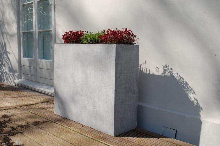 dieser schicke pflanzk bel kann f r sichtschutz und. Black Bedroom Furniture Sets. Home Design Ideas