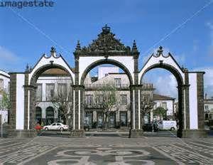 Portas de Cidade....doors of the city!
