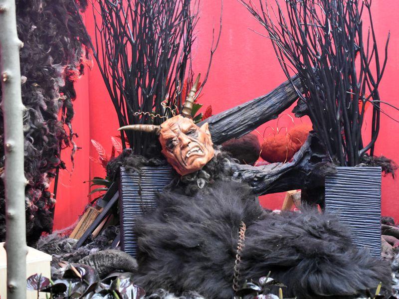 Der Teufel Mit Den Drei Goldenen Haaren Grimms Marchen Ausstellung Sonderausstellung